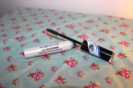 Max Factor Eye Brightening Volumising Mascara Blue Worst Beauty Products 2012