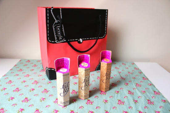 Benefit Fake Up Bag