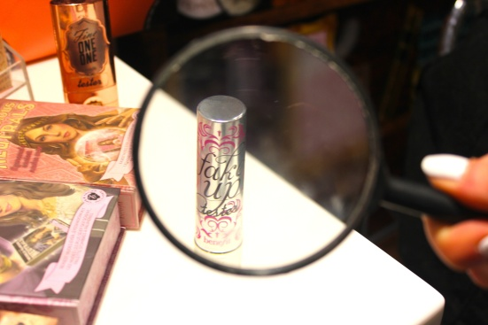 Benefit Fake Up Magnify