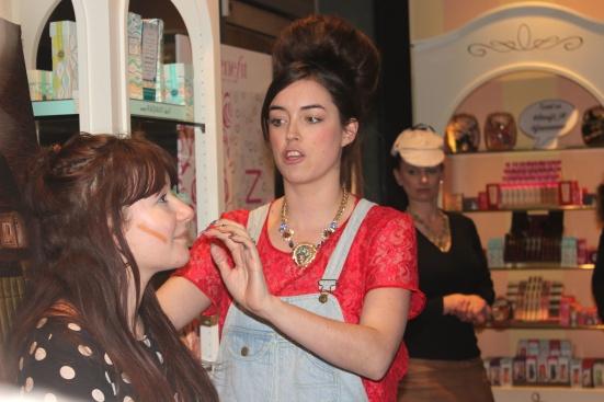 Fake Up Contouring Benefit Lisa Potter Dixon Head Make Up Artist
