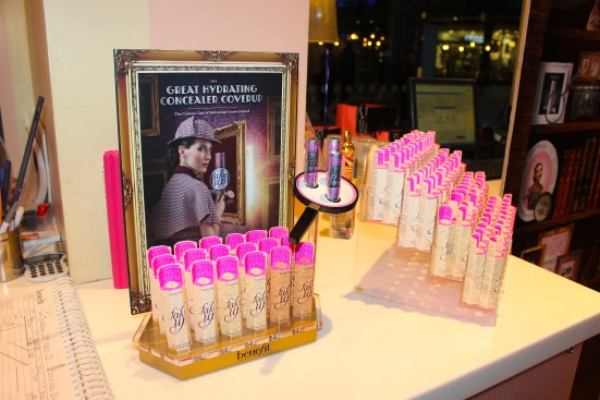 Benefit Fake Up Display