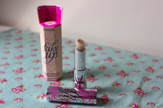 Benefit Fake Up Light Concealer Review